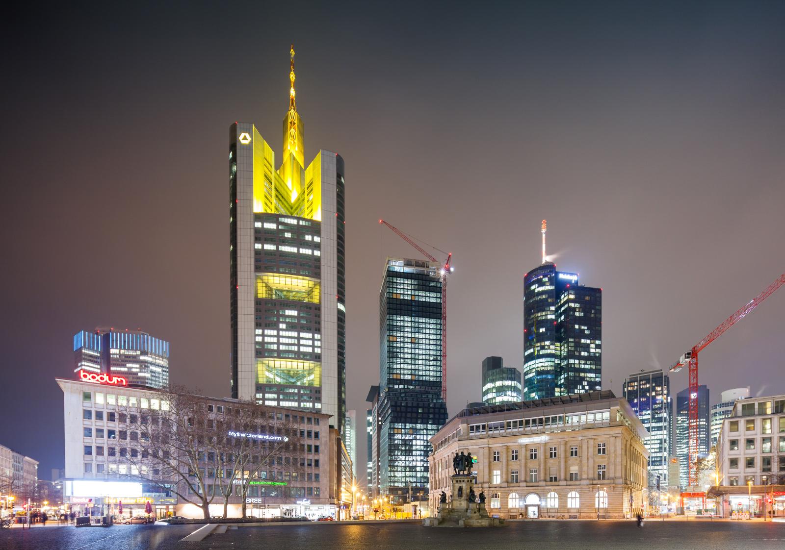 Bild: http://www.telesniuk.com/frankfurt/Frankfurt-380_s.jpg